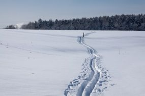 trace cross country skiing ski track
