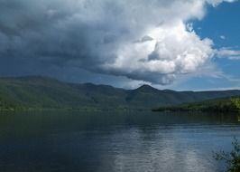 thunderstorm on the canim lake