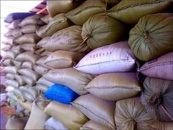 storage of rice in sacks