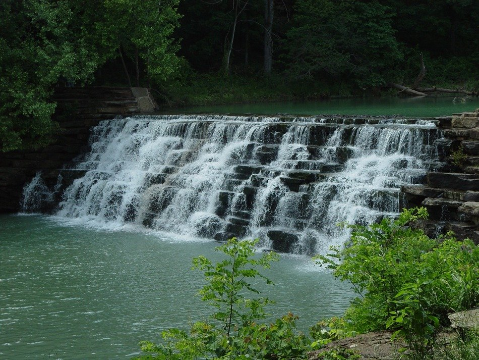 rocky waterfall in arkansas state park