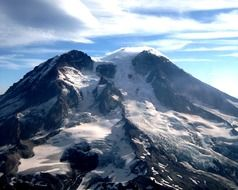 snow stratovolcano in washington