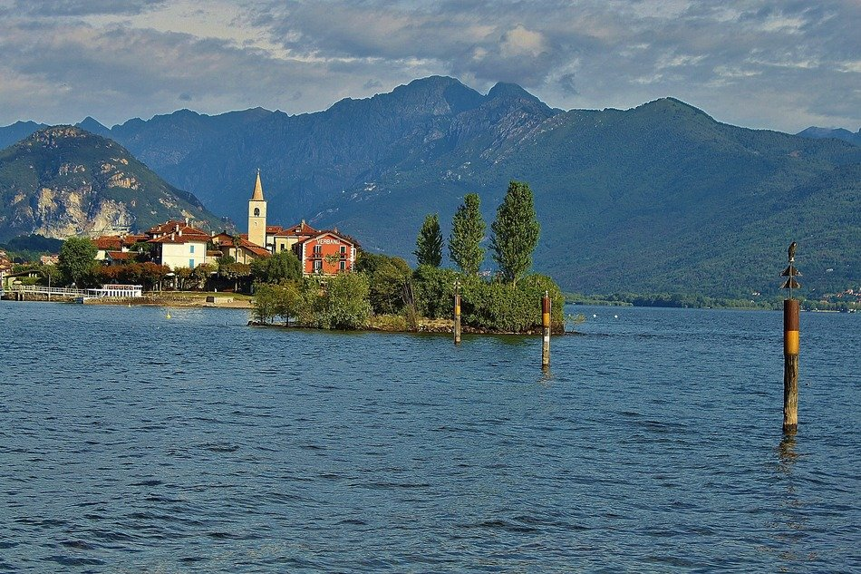 landscape photo of the island in lake Lago Maggiore