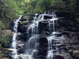 waterfall in the blue mountains near sydney