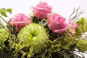 roses and chrysanthemum spring bouquet