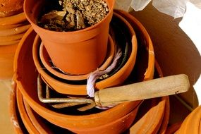 brown pots for gardening