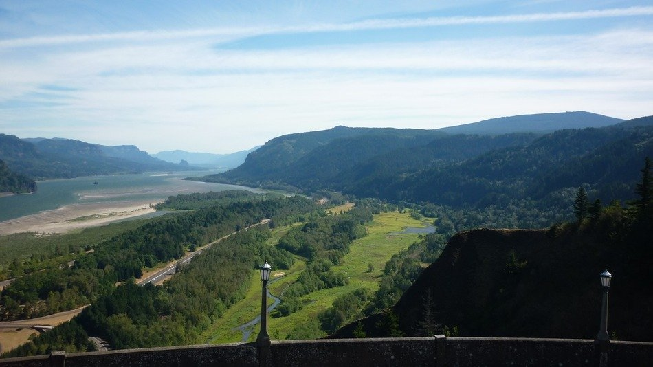 Landscape of beautiful Columbia River Gorge in Oregon