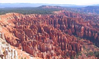 panoramic view of the amphitheater in Bryce Canyon