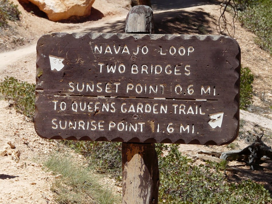 a plaque with an inscription in Bryce Canyon National Park, Utah