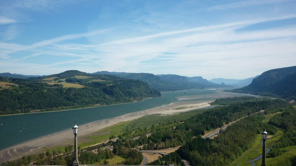 scenic Columbia river gorge