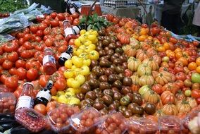 red tomatoes healthy food