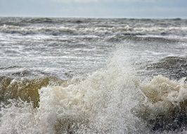 bursts of storm waves in the North Sea