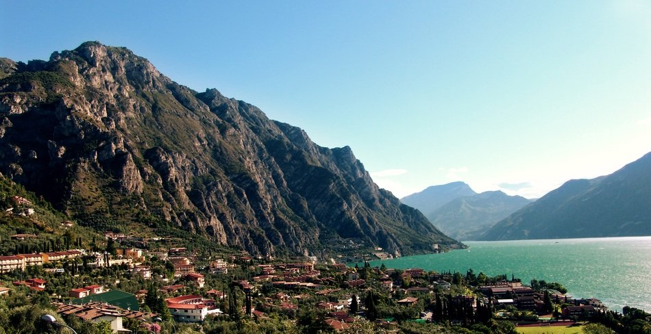 a city on the shores of Lake Garda in Italy