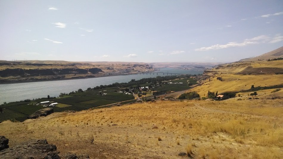 landscape of the columbia river gorge