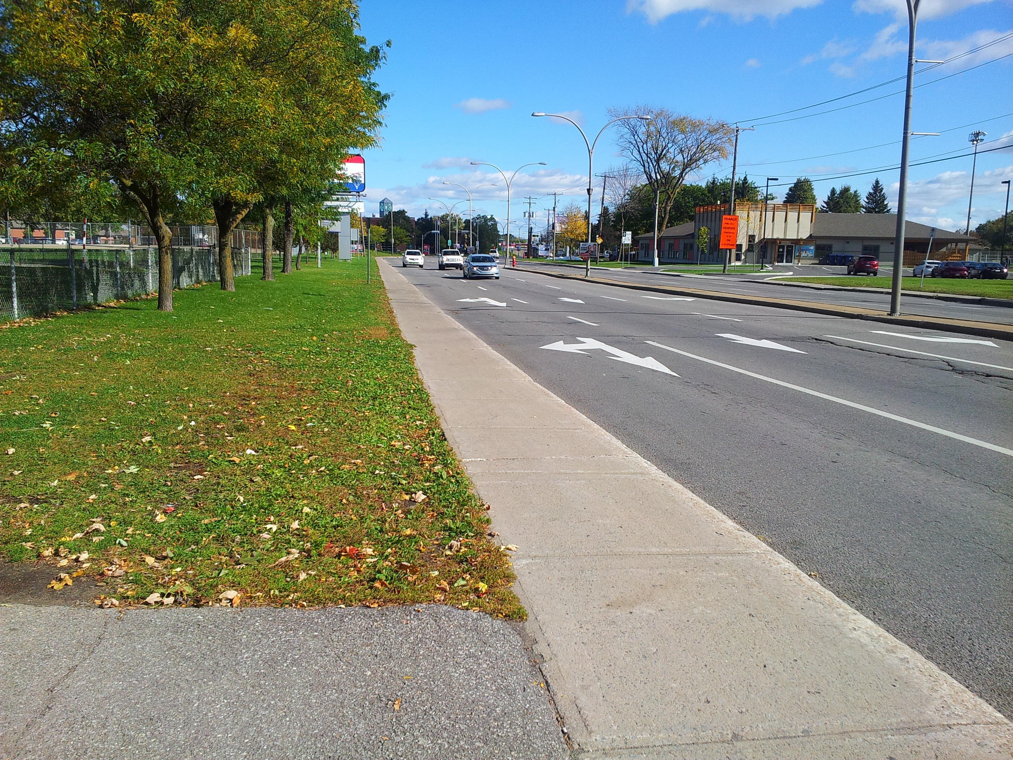 картинка с изображением тротуара этих двух цветов