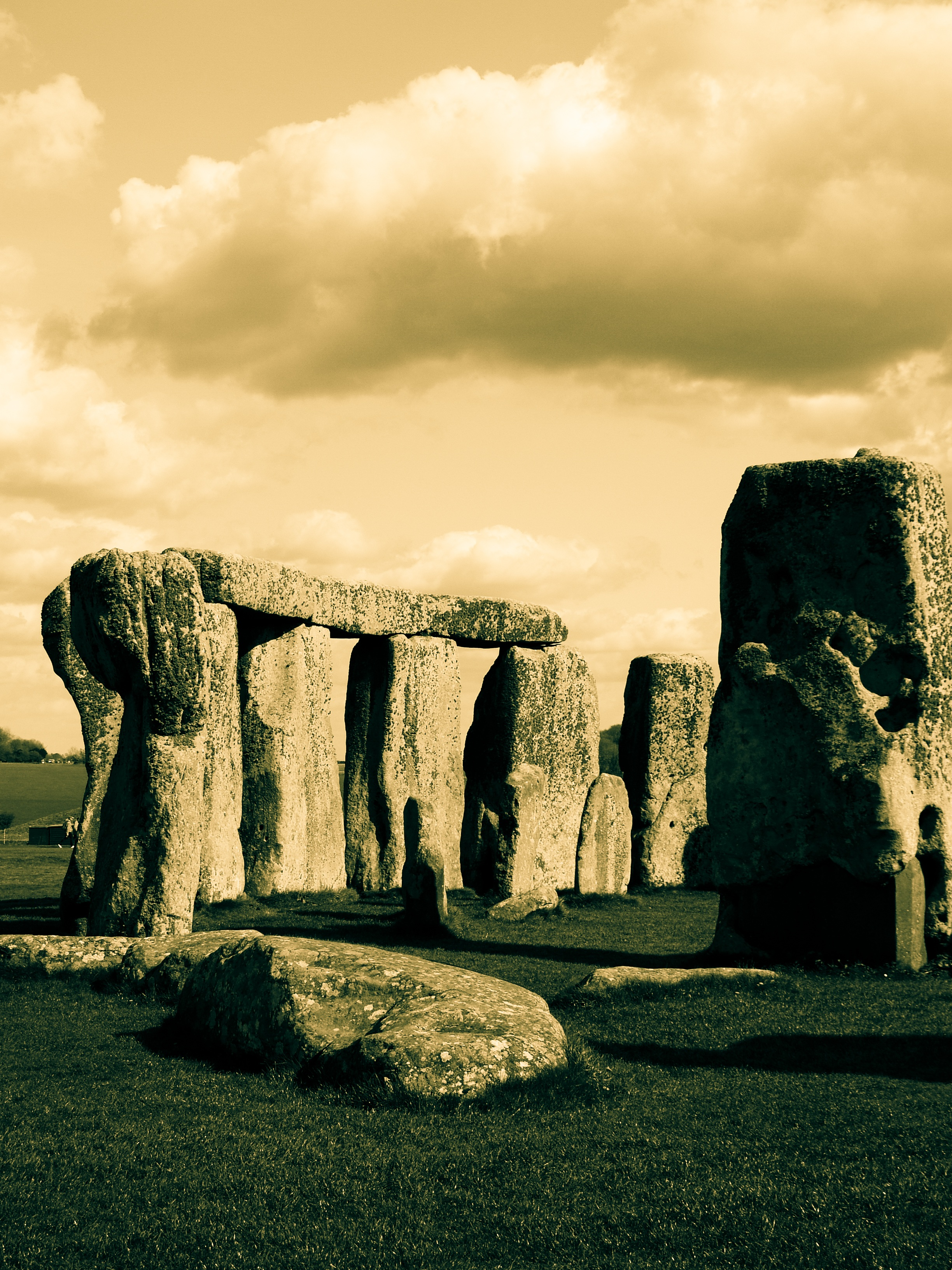 the building stages of the stonehenge monolith Predating stonehenge, the building is thought to have been a house of the dead the survey revealed an early stage in the construction of the monument when an.