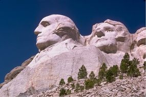 mount rushmore carved presidents