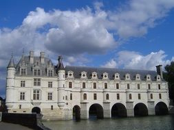chenonceau castle over the river