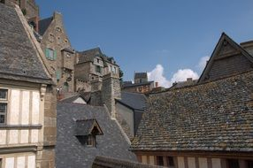 middle ages roofs homes