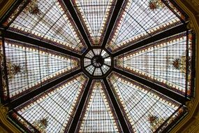 Glass roof with geometric patterns