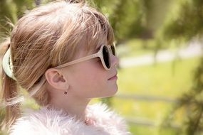 girl in the sunglasses portrait