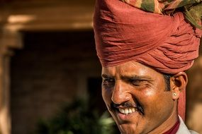 Indian man\'s face with a turban