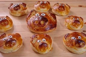 pastries in the form of piglets