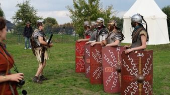 historical reconstruction of the Roman legionnaires