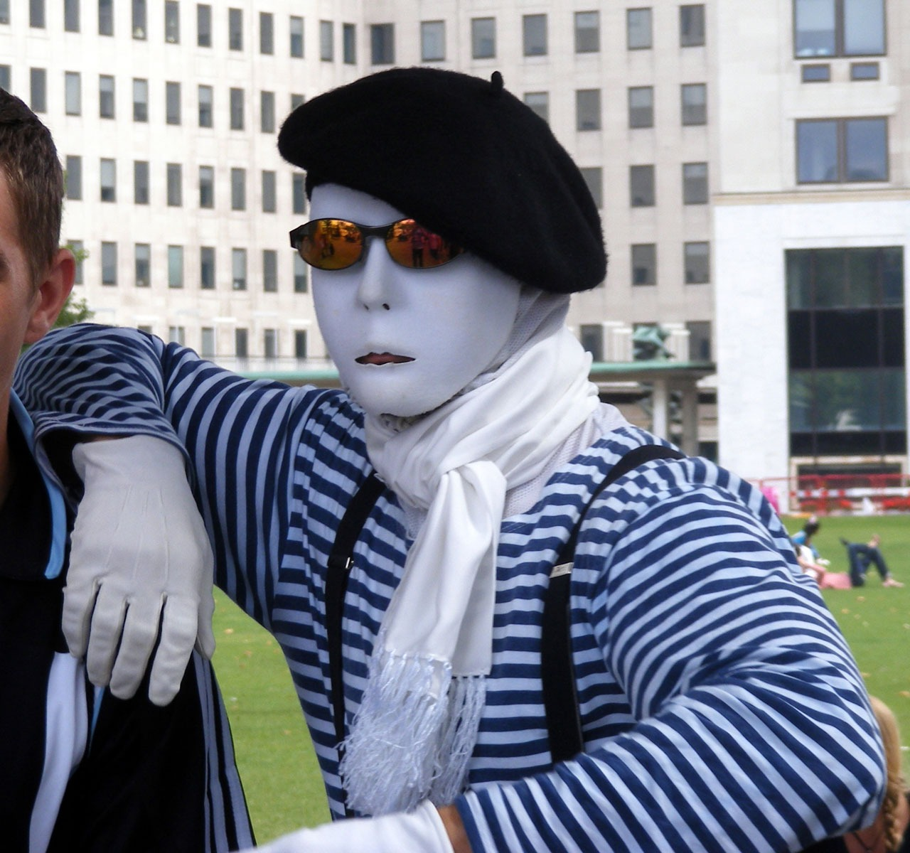 Mime as a street artist free image download
