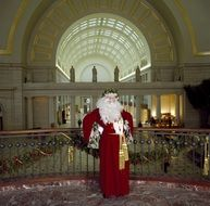man dressed as santa claus in union station, usa, Washington dc