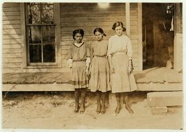 Historical photo of sisters in america