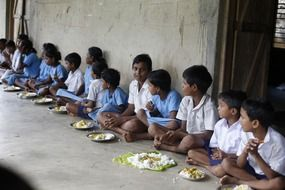 indian children eating