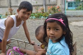poor filipino children on street