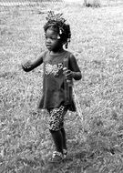 Black and white photo of an african little girl