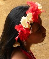 floral wreath girl indio embera