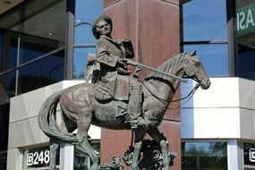 statue of riding cowboy in ogden