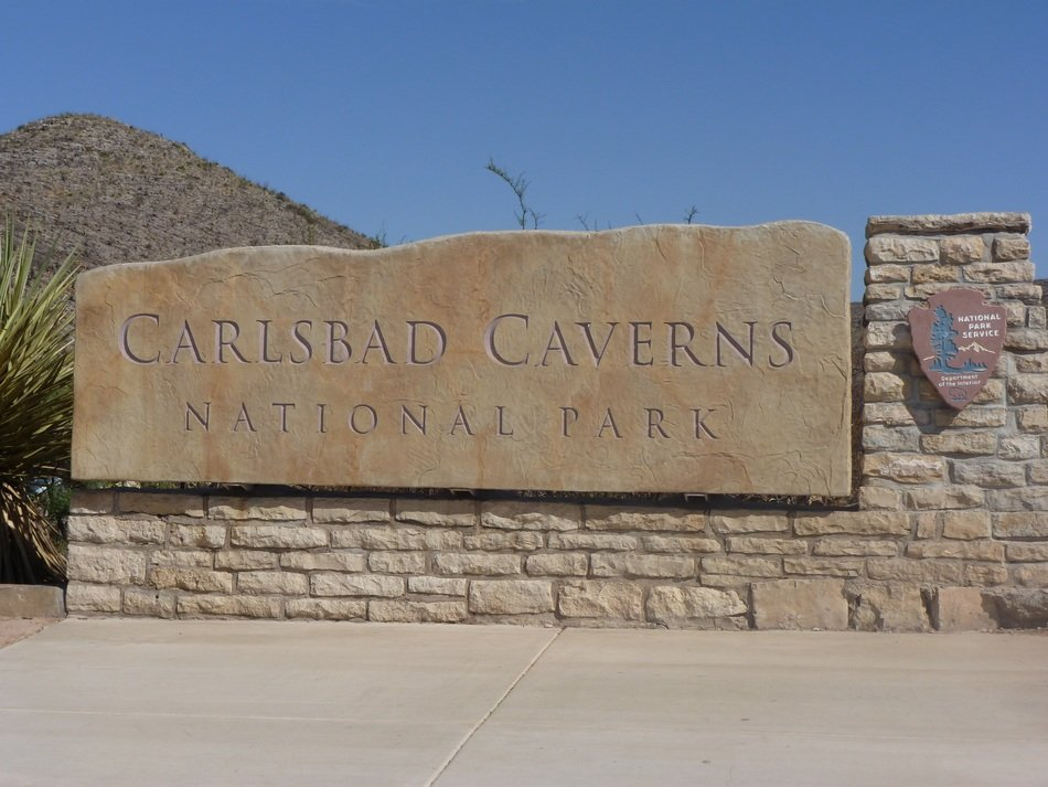 entrance to carlsbad caverns national park, usa, new mexico, nevada