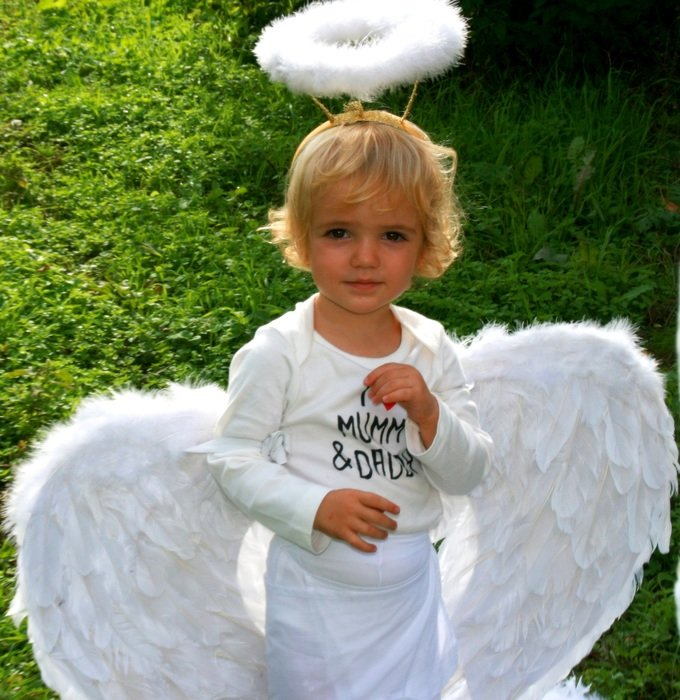 Child in angel costume