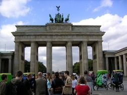 brandenburg gate quadriga landmark
