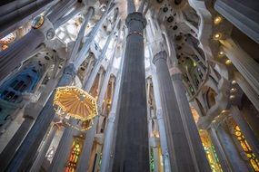 columns decorated with gold in the Sagrada Familia