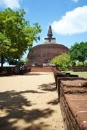 polonnaruwa ancient ruins castle