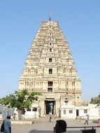 picture of virupaksha temple in hampi
