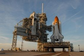 atlantis space shuttle on launch pad