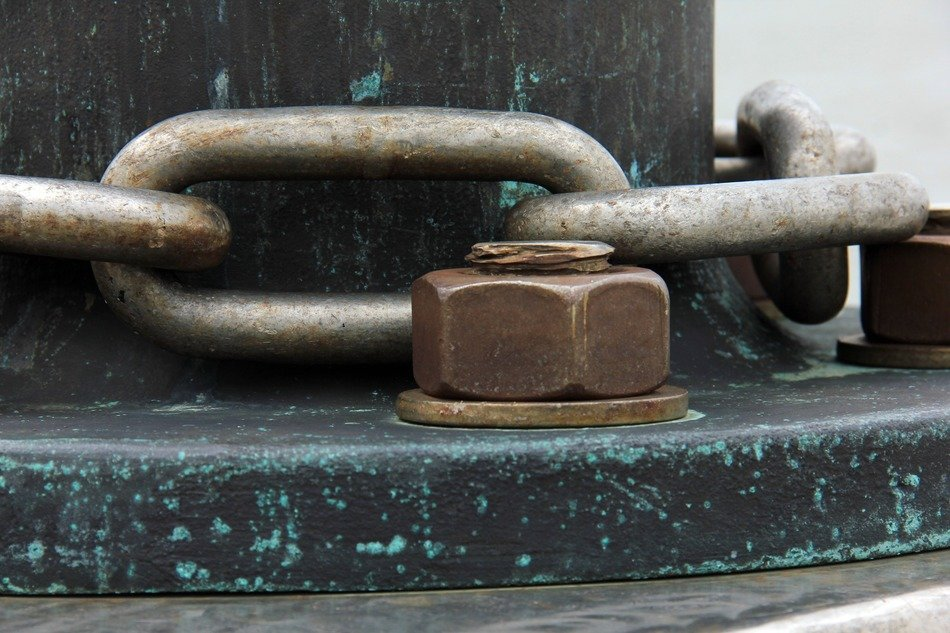 chain links and screw