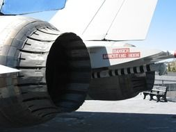 large jet aircraft turbines