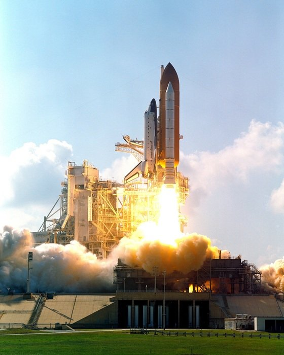 atlantis space shuttle launching