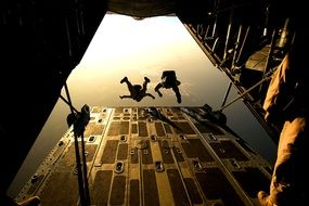 parachute skydiving training