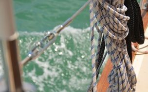 rope cors sailing boat water