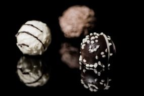 praline chocolate balls