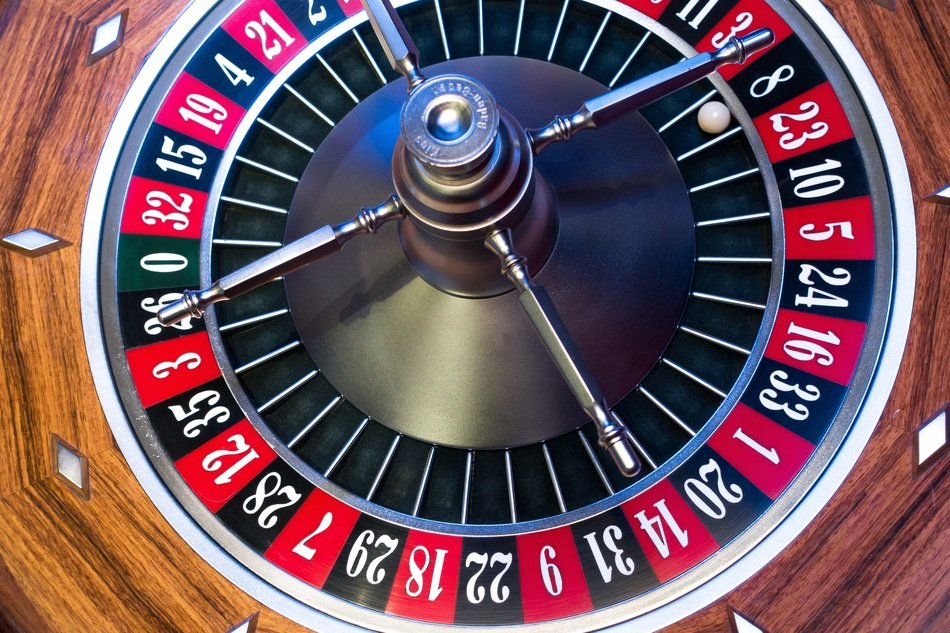 roulette wheel 8 black win