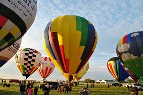 picture of the colorful hot air balloons